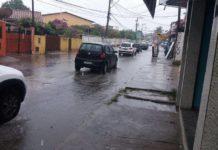 Ruas ficam alagadas em São Pedro da Aldeia