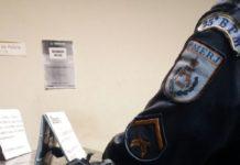 Homem é preso com arma e pinos de cocaína em Cabo Frio