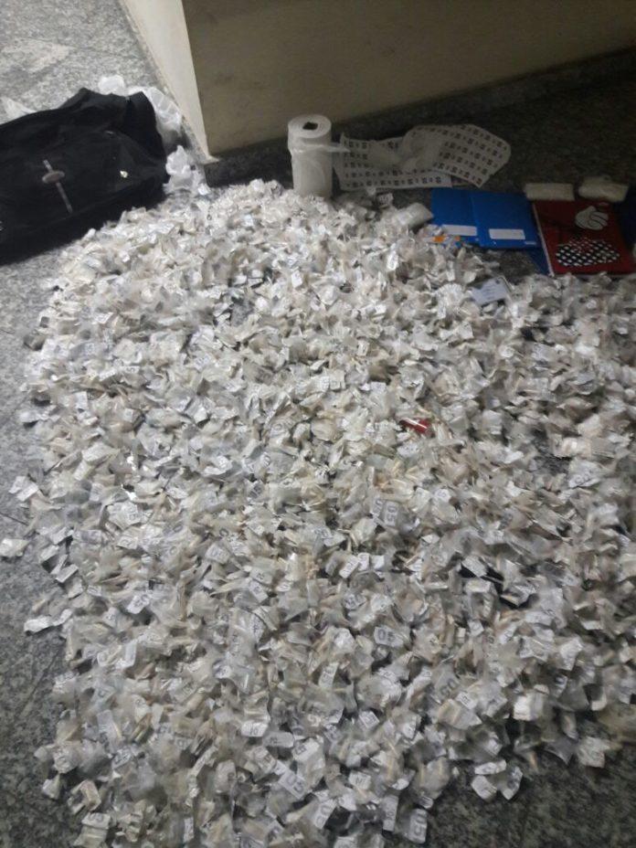 PM apreende 3.600 pinos de cocaína em Cabo Frio na madrugada desta terça