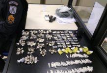 Jovem é preso com maconha e cocaína em Araruama