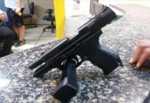 Homem é preso com arma e munições em Cabo Frio