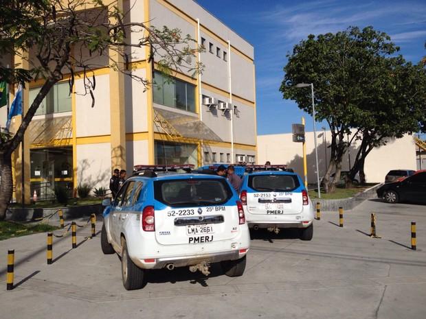 Suspeito de envolvimento com o tráfico de drogas no Jacaré, em Cabo Frio, é preso