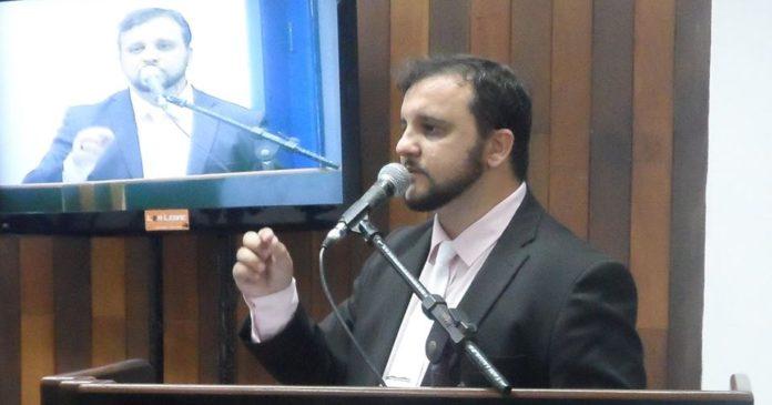 Vereador de Cabo Frio recorre ao MP contra empreendimento na Ilha do Japonês