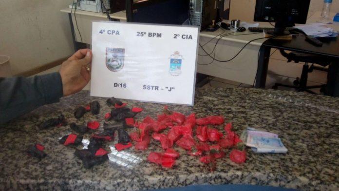 Suspeito é preso com cocaína e maconha em São Pedro da Aldeia