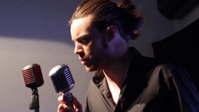 Teatro Municipal de São Pedro recebe show do cantor argentino Maxi Borgaro