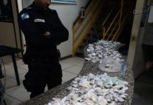 Homem é preso e menor é apreendido com maconha e cocaína em São Pedro