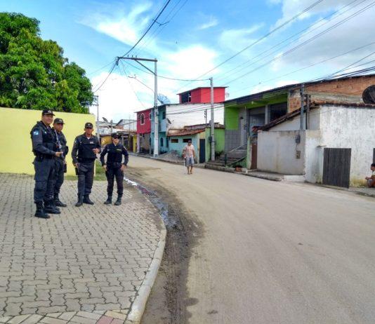 Segundo a Polícia Militar, O objetivo é a busca de suspeitos que podem estar relacionados com atividades criminosas no local.