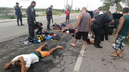 Onze pessoas são presas em dia de violência em Arraial do Cabo