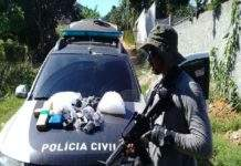 Parte das drogas foi encontrada enterrada em um tonel. Foto: Polícia Civil/Divulgação