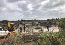 Quatro imóveis são demolidos em área de preservação ambiental de Arraial do Cabo