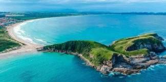 Praia do Peró recebe certificação nacional do Programa Bandeira Azul