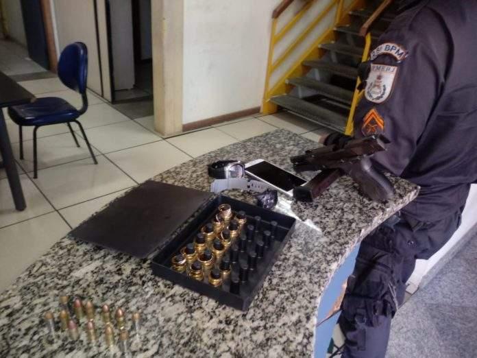 Material roubado de joalheria em São Pedro é recuperado após tiroteio em Unamar
