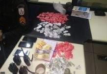 Trio é preso em Araruama com cocaína, maconha e rádio transmissores