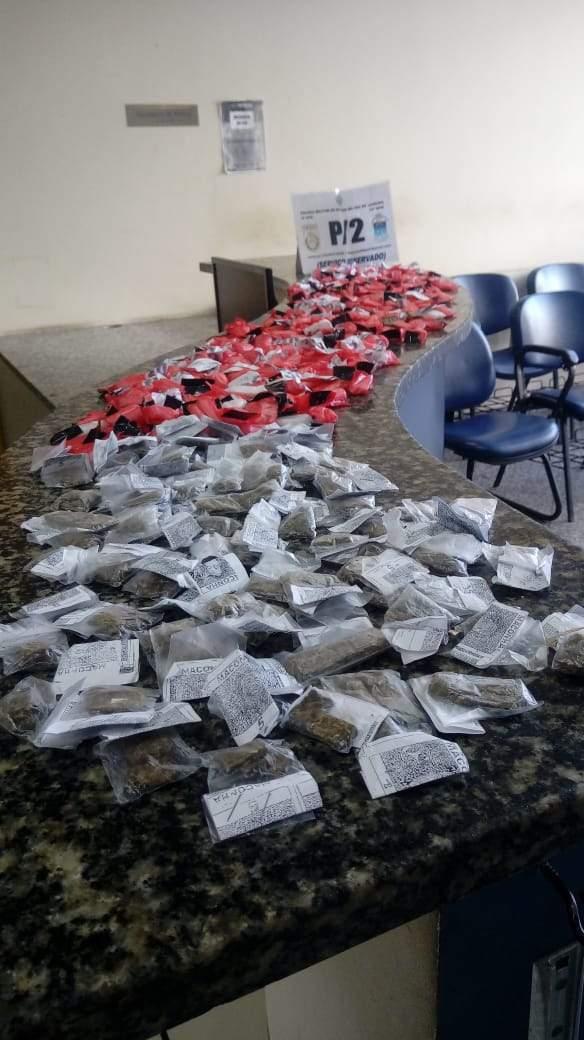 Drogas foram encaminhadas para a 126º DP. Foto: Divulgação/ Polícia Militarq