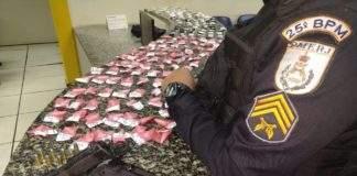 Jovens são presos com armas, munições e drogas em Cabo Frio