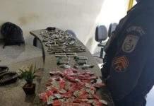 Caso aconteceu neste domingo (2). Foram apreendidas maconha, cocaína e crack. Foto: PM/Divulgação