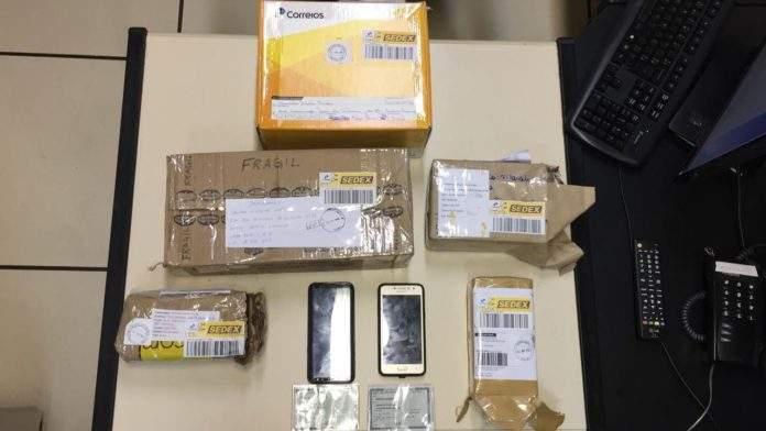 Segundo a Polícia Civil, dupla realizava compras falsas nos sites OLX e Mercado Livre. Foto: Polícia Civil/Reprodução