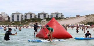 Evento reuniu mais de 2 mil atletas no canto da Praia do Forte. Foto: Prefeitura Municipal/Divulgação