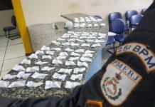 Foram apreendidos 115 pinos de cocaína. Foto: PM/Divulgação
