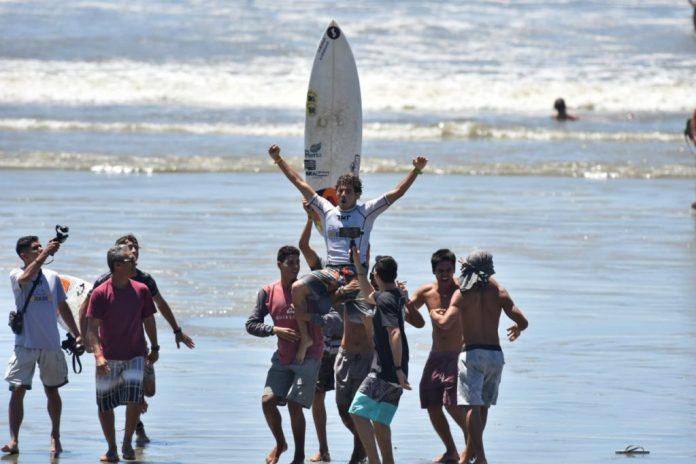 Theo Fresia foi campeão brasileiro do sub-20 nesse domingo (09). Foto: Internet/Reprodução