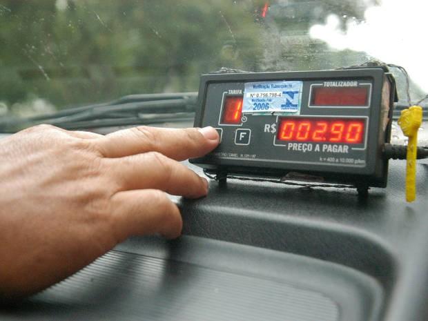 Veículos cujos taxímetros não forem verificados estarão sujeitos a multa. Foto; Internet/Reprodução