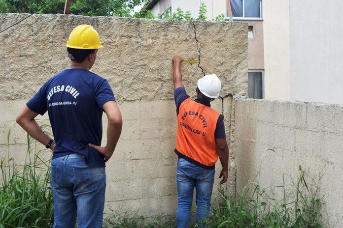 Ação foi realizada após o desabamento da laje da construção, que deixou cinco pessoas feridas. Foto: Defesa Civil/Divulgação