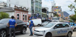 Polícia Militar seguirá fazendo abordagens para revistas em busca de armas e drogas. Foto: internet/reprodução
