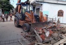 Muros e simulações de moradia foram demolidos. Foto: Prefeitura/Cabo Frio