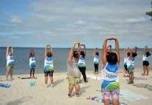 O projeto Orla em Movimento, da Subsecretaria Municipal de Esporte e Lazer, oferece à população de São Pedro da Aldeia a oportunidade de fazer exercícios físicos regularmente e se dedicar ao cuidado da saúde e do corpo.