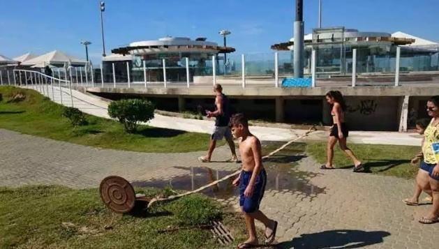 Estabelecimentos cometiam a irregularidade enquanto equipes da prefeitura estavam no local. Foto: Divulgação