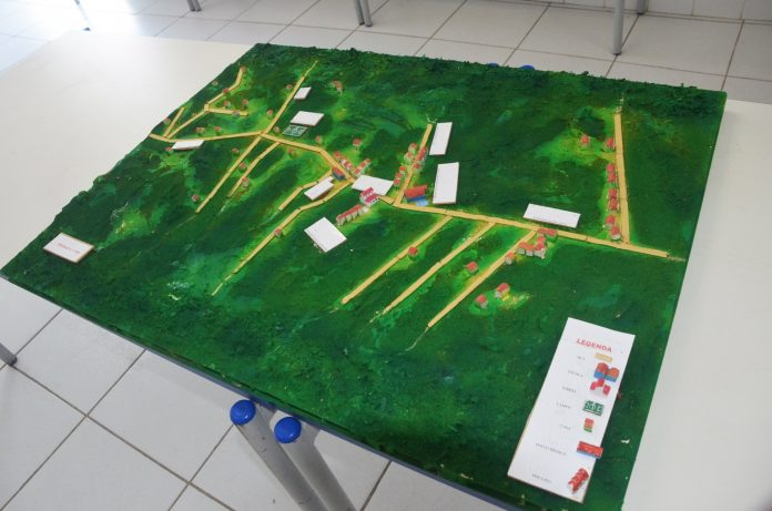 Os alunos da Escola Municipalizada Retiro irão representar São Pedro da Aldeia na semifinal da III Olimpíada Brasileira de Cartografia (OBRAC)