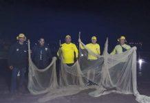 A Guarda Marítima e Ambiental apreendeu na noite dessa quarta-feira (21) duas redes de arrasto de dois calões de 15 metros cada uma.