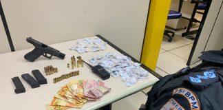 Um jovem morreu em um confronto com a Polícia Militar na Boca do Mato, em Cabo Frio, nesta quarta-feira (28).