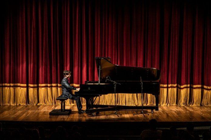 A Casa de Cultura e Museu José de Dome (Charitas) recebe na sexta-feira (20), às 19h, a 73ª edição da série Jovens Pianistas