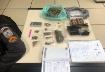 Um casal foi preso com drogas, nessa quinta-feira (12), na Reserva do Peró, em Cabo Frio.